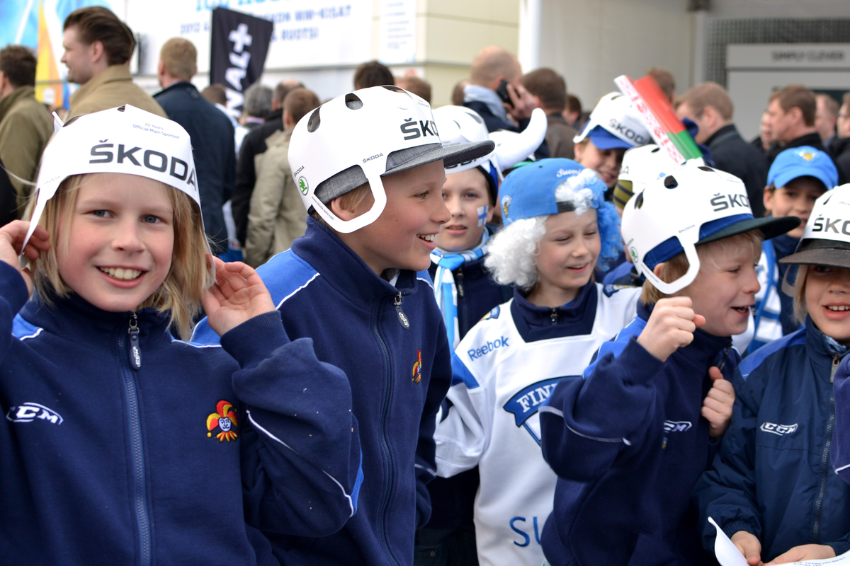 Leijonat - Sinivalkoinen fanimeri vyöryi Areenalle 201cfda674