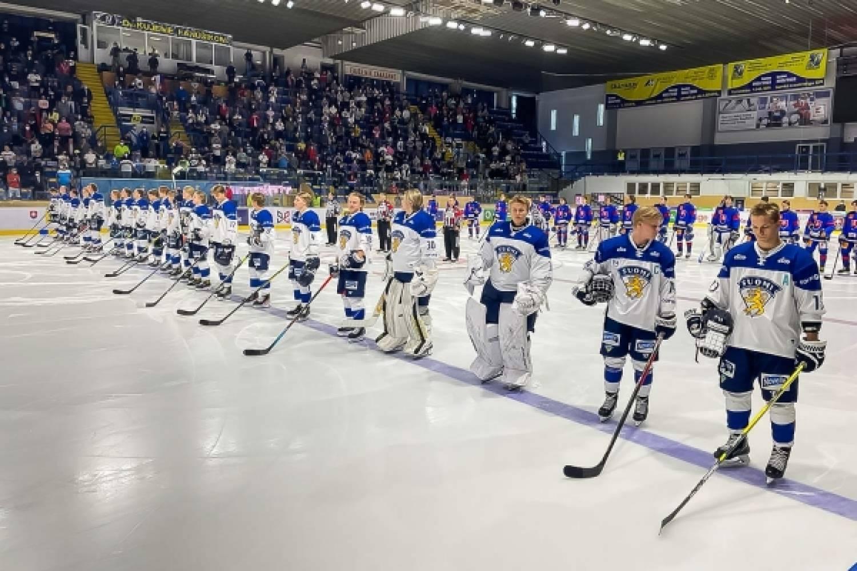 Joukkueenjohtajan raportti: Slovakia tyly isäntä Pikkuleijonille Hlinka Gretzky Cupin välierissä