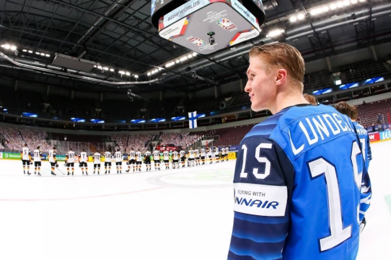 Anton Lundell oli Suomen paras pistemies samana vuonna sekä nuorten että miesten MM-kisoissa