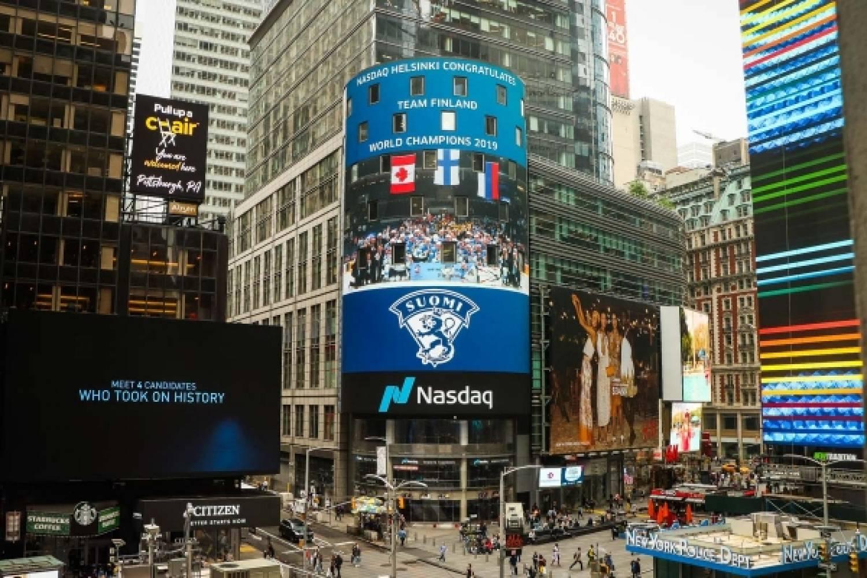 Leijonien maailmanmestaruus näkyi myös New Yorkin Times Squarella