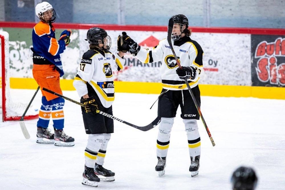 Kärppien Joonas Lohisalo U18 SM-sarjan tehokkain pelaaja viikonloppuna – Lukon Jesse Juhola iski maaleja