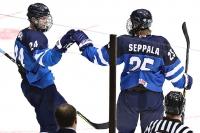 Pikkuleijonien puolustaja Peetro Seppälä iski maalin ensimmäisessä MM-ottelussaan -