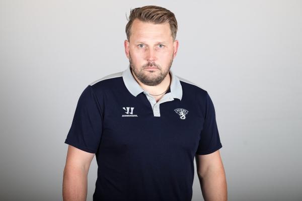 Päävalmentaja Antti Pennanen avaa Nuorten Leijonien MM-projektia – Katso video