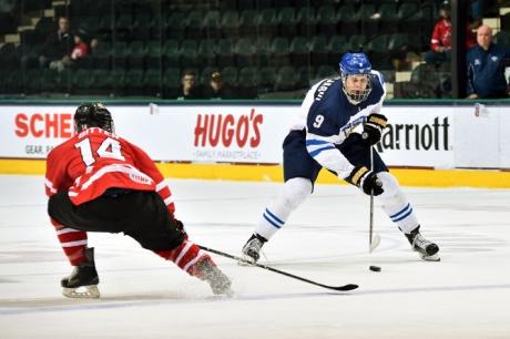 Jesse Puljujärvi pelasi Kanadaa vastaan ensimmäisen ottelunsa MM-kisoissa.