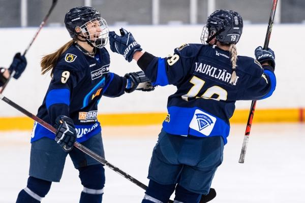 Maalikooste: K-Espoon kolmen maalin etumatka riitti – Näillä osumilla ratkaistiin Naisten Liigan kärkikamppailu