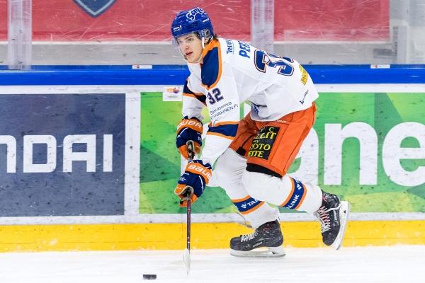 """""""Pelin tekeminen, maalipaikkojen luonti – Hyvä kahteen suuntaan"""" – Mikko Perttu on Tapparan U20-joukkueen luova pelintekijä"""