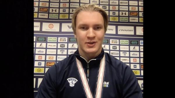 """U20-kapteeni Anton Lundell: """"Mitalien jakaminen oli erilainen, mutta hauska kokemus"""""""