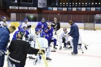 """Nuorten Leijonien päävalmentaja Jukka Jalonen: """"Hieno nähdä miten pelaajat kehittyvät"""""""