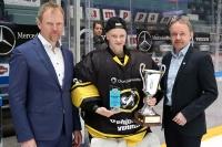 Karoliina Rantamäki -palkinto Johanna Oksmanille - Naisten Liigan pudotuspelien paras pelaaja