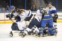 Naisleijonat väänsivät Ruotsin kumoon jatkoajalla - Suomi kolmas Four Nations Cupissa