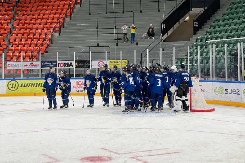 Tyttöleijonat nousi viime hetkillä voittoon Ruotsista Finnkampenin finaalissa – Näin ottelu eteni