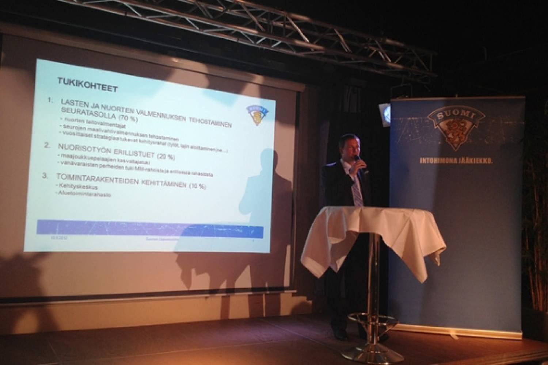 8,2 miljoonan euron MM-tuotot ohjataan lasten ja nuorten kiekkoilun tukemiseen