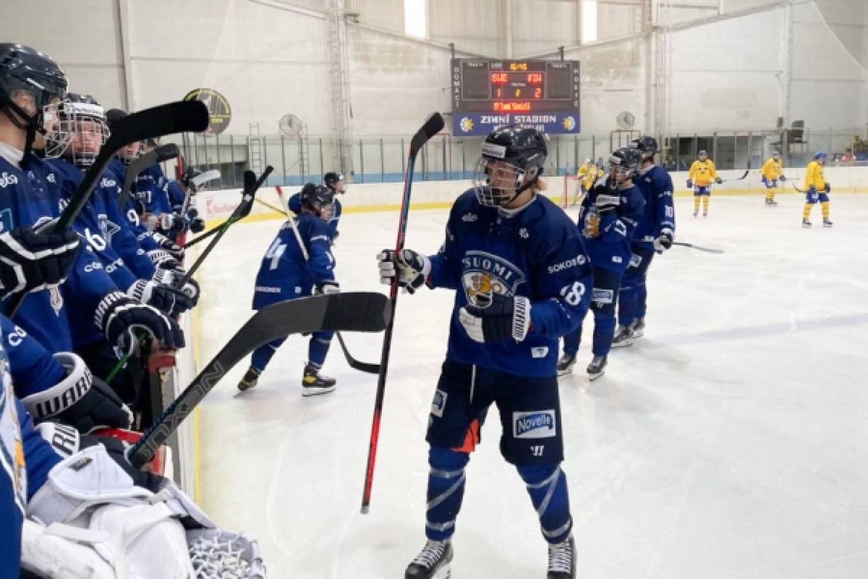 """Joukkueenjohtajan raportti: Pikkuleijonien Hlinka Gretzky Cup huipentui pronssiottelussa – """"Erittäin tärkeä turnaus"""""""