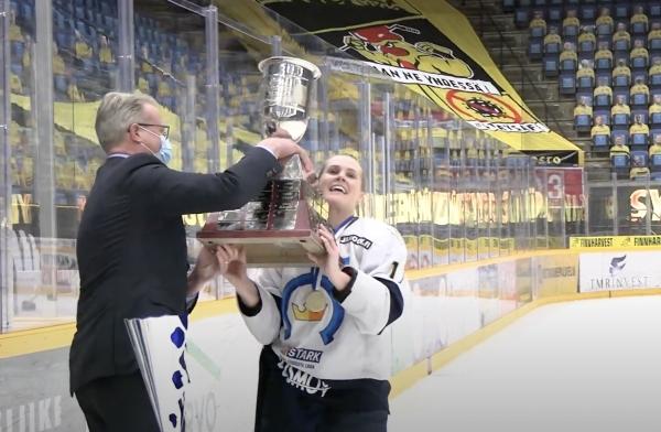 Kiekko-Espoo on Naisten Suomen Mestari 2021 – katso välähdys mestaruusjuhlista!
