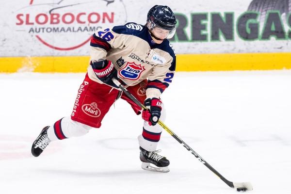 """TUTO Hockeyn Okko Kangasniemi nauttii ehjästä SM-sarjakaudesta U20 SM:ssä: """"Palaset ovat loksahtaneet kohdalleen"""""""