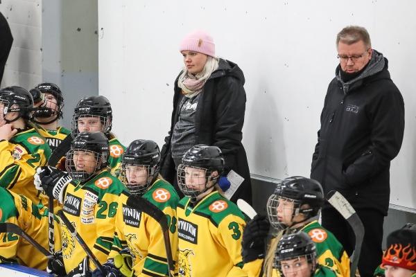 """Linda Leppäsen ensimmäinen kausi päävalmentajana oli onnistunut: """"Kokonaisuuteen täytyy olla tyytyväinen"""""""