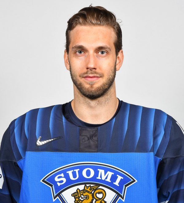 """#40 Petteri Lindbohm: """"Petteri on niin hyvä joukkuepelaaja kuin olla voi"""""""