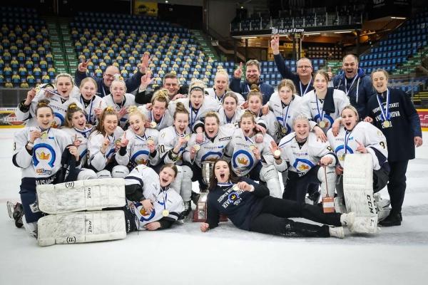 Maalikooste: Kapteeni Rajahuhta laukoi mestaruusmaalin – Kiekko-Espoo voitti Naisten Liigan mestaruuden