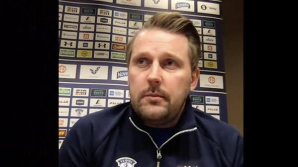 """U20-joukkueen päävalmentaja Antti Pennanen: """"Kiva tulla mitali kaulassa kotiin"""""""