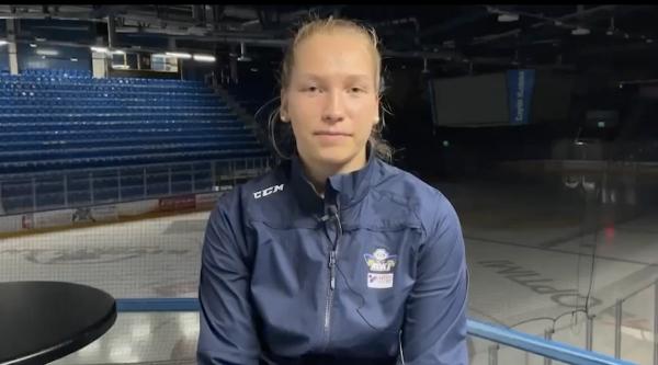 """RoKin kapteeni Emmi Mourujärvi: """"Vahvuutemme tällä kaudella ovat nuoruuden into, yhtenäisyys ja luisteluvoima"""""""