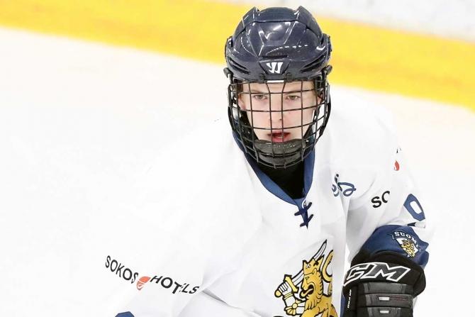 Kärppien puolustaja Topi Niemelä kokosi viikonlopun kahdesta ottelustaan pisteet 5+3.